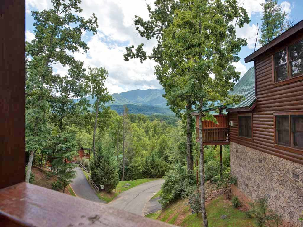 Photo of a Gatlinburg Cabin named Artistic Mountain - This is the nineteenth photo in the set.