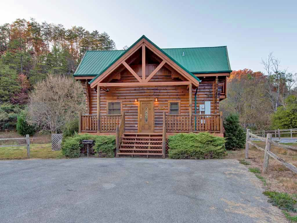 Photo of a Pigeon Forge Cabin named Bear Nook - This is the eighteenth photo in the set.