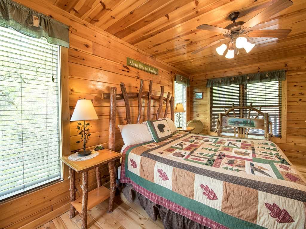 Photo of a Gatlinburg Cabin named View Catcher - This is the twentieth photo in the set.