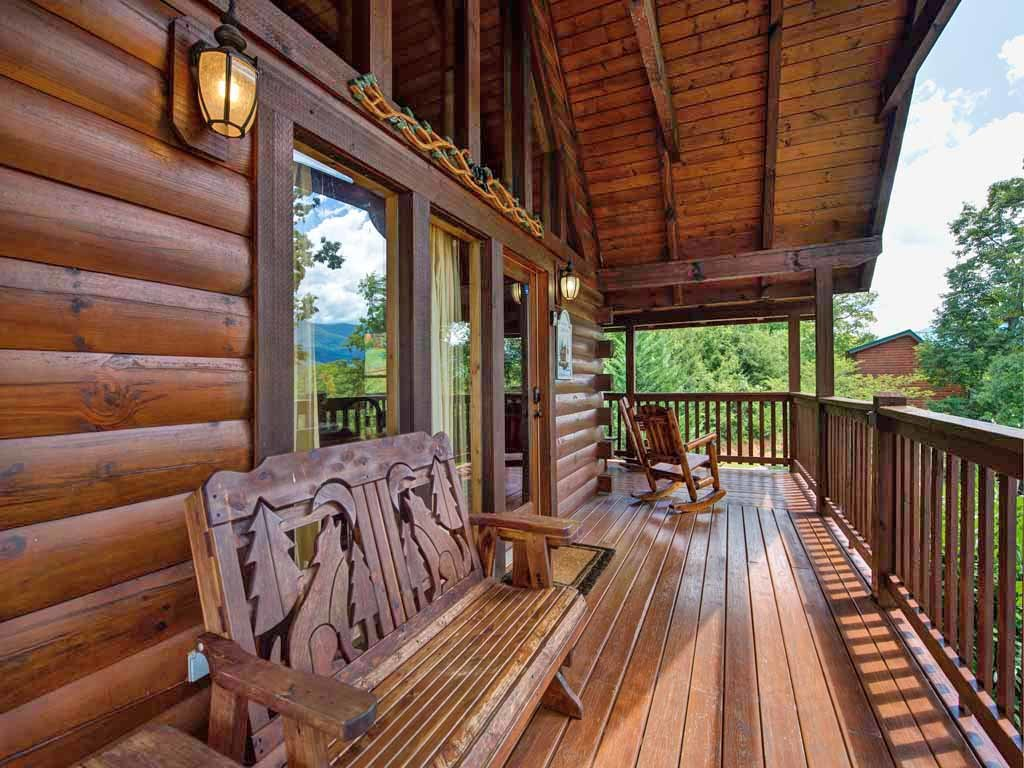 Photo of a Gatlinburg Cabin named Artistic Mountain - This is the third photo in the set.