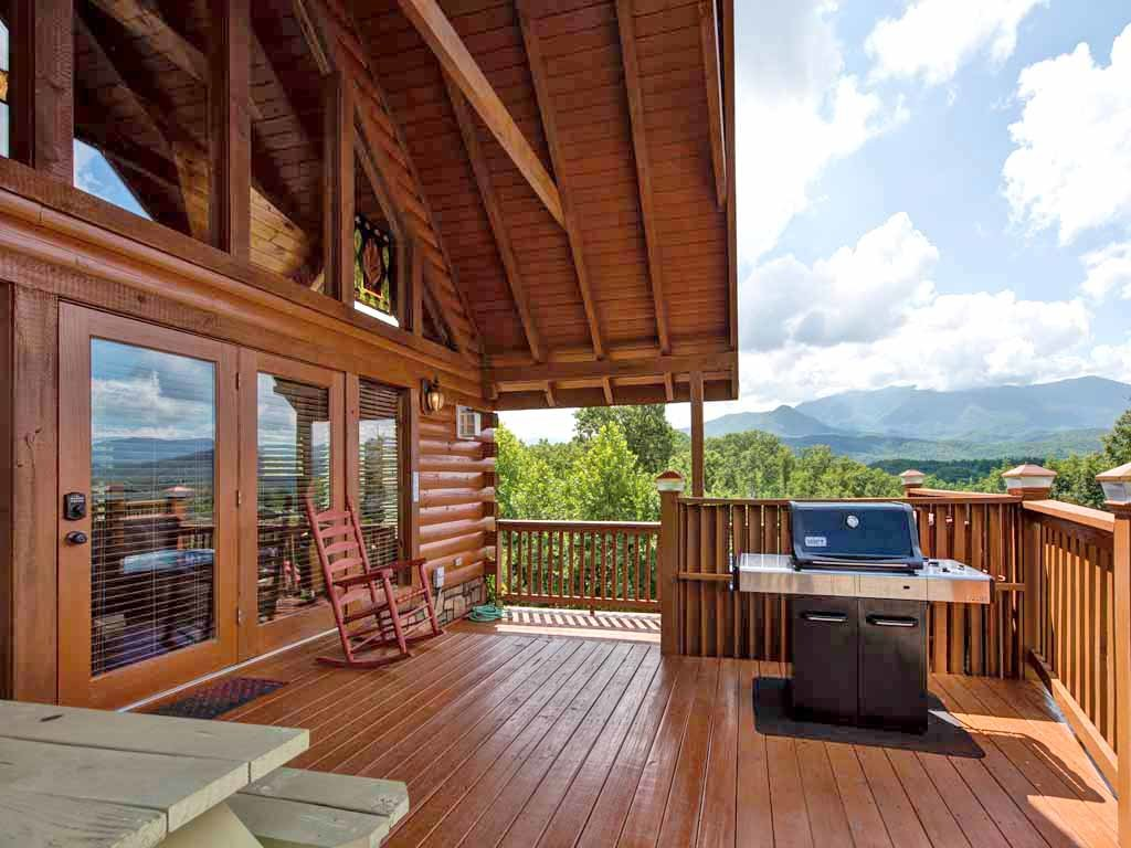 Photo of a Gatlinburg Cabin named Above It All - This is the fourth photo in the set.