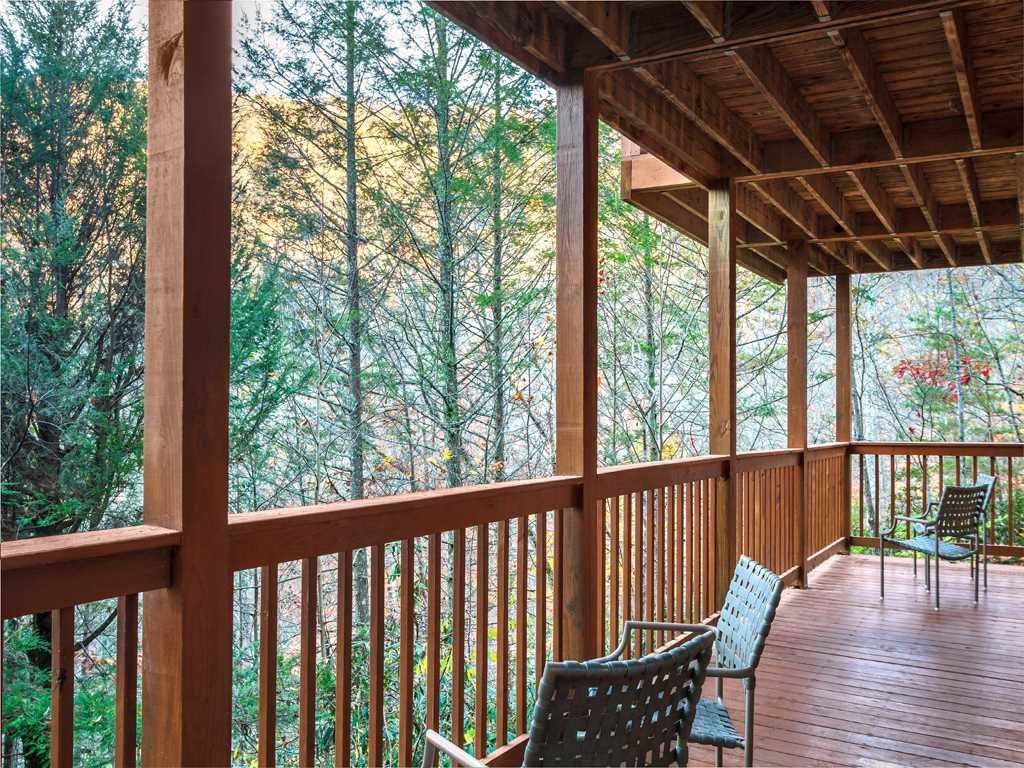 Photo of a Gatlinburg Cabin named Lazy Bear Lodge - This is the eleventh photo in the set.