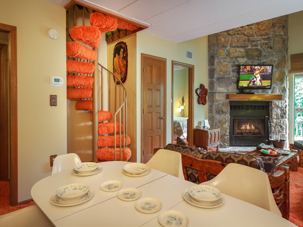 Photo of a Gatlinburg Condo named Groovy Getaway - This is the sixth photo in the set.