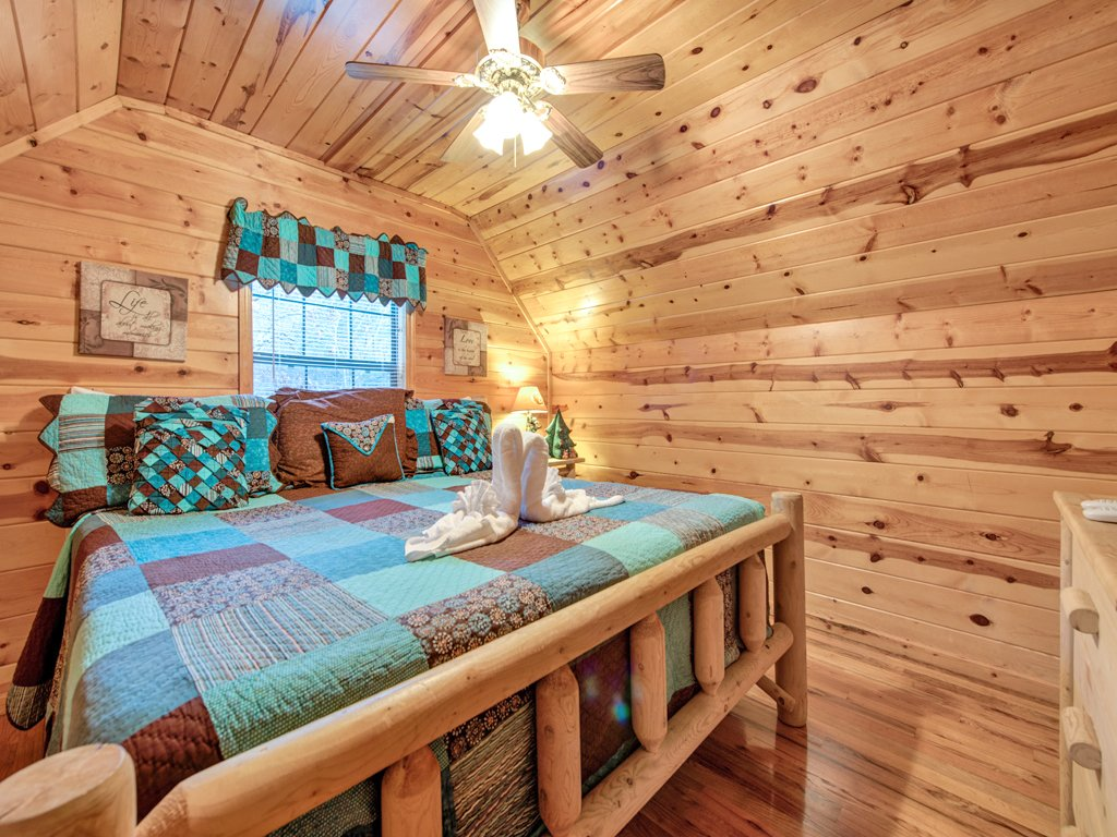 Photo of a Pigeon Forge Cabin named Mountain Mist - This is the fifteenth photo in the set.