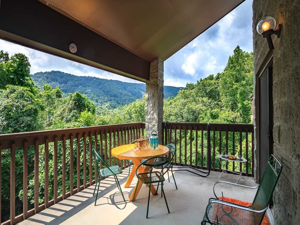 Photo of a Gatlinburg Condo named Groovy Getaway - This is the third photo in the set.