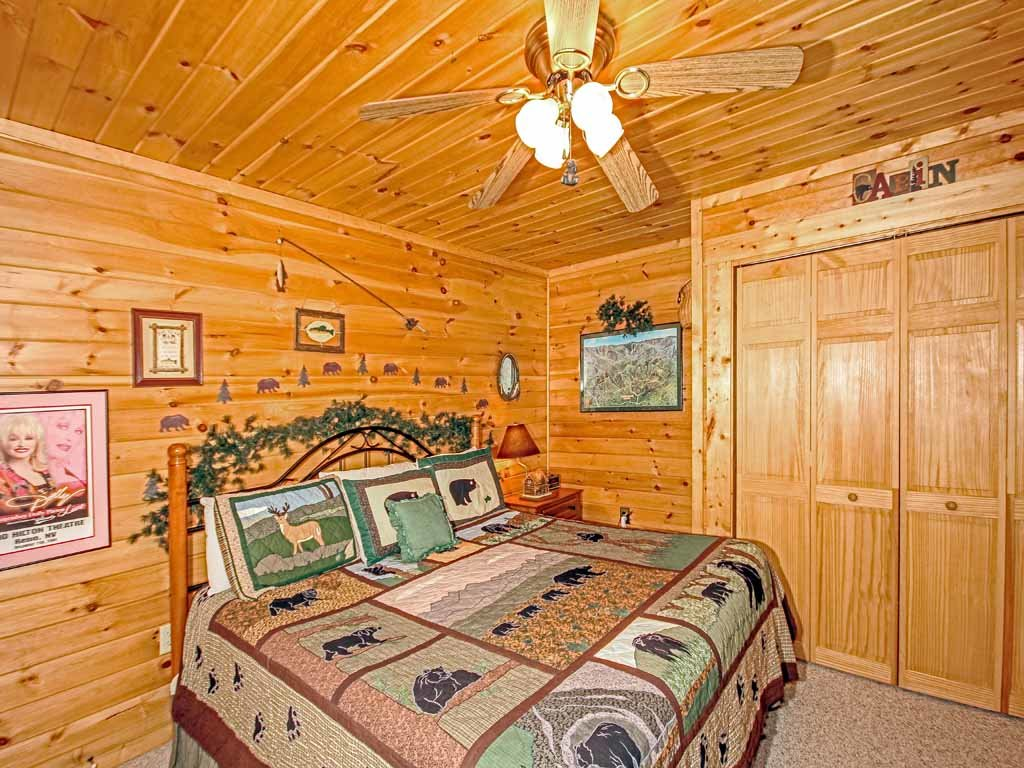 Photo of a Gatlinburg Cabin named Bear Country Cabin - This is the twentieth photo in the set.
