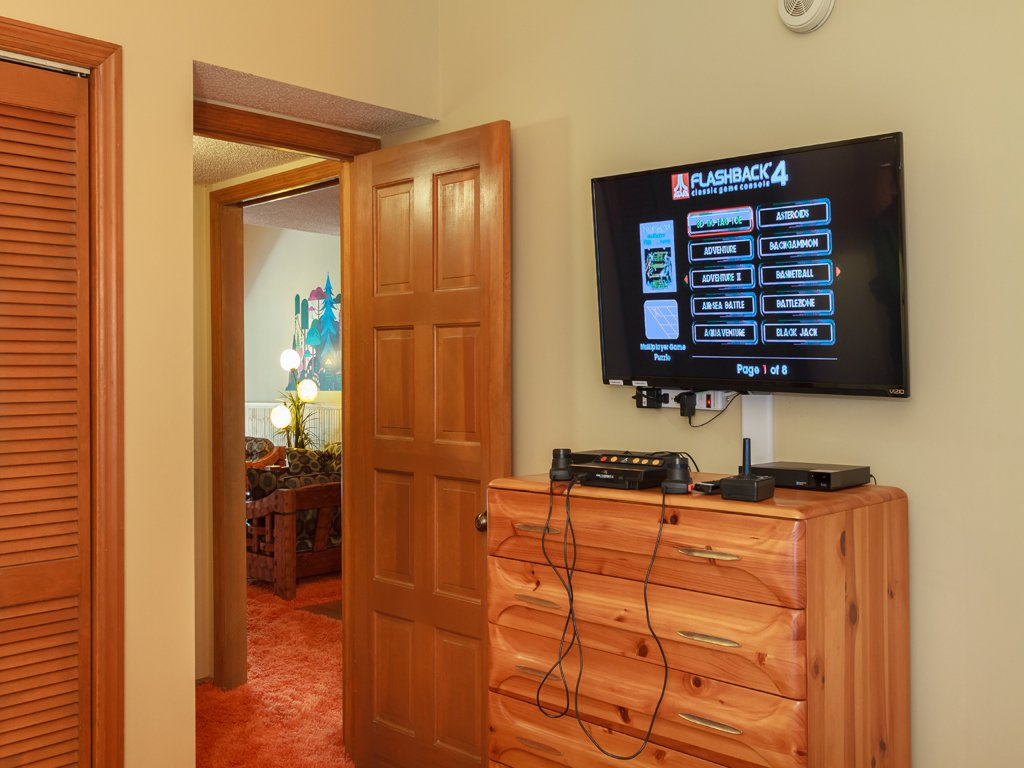 Photo of a Gatlinburg Condo named Groovy Getaway - This is the fourteenth photo in the set.