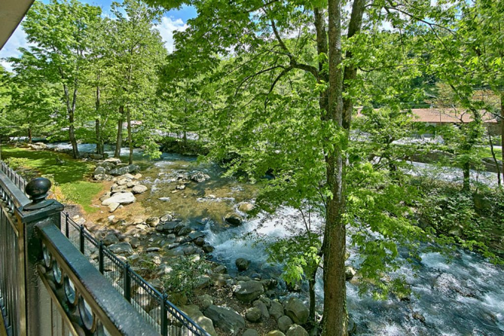 Photo of a Gatlinburg Condo named Riverfront Relaxation - This is the fourteenth photo in the set.