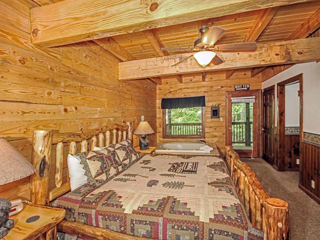 Photo of a Gatlinburg Cabin named Doe's Den - This is the tenth photo in the set.