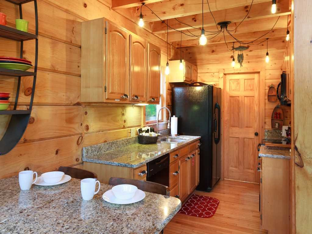Photo of a Gatlinburg Cabin named Lazy Bear Lodge - This is the seventh photo in the set.