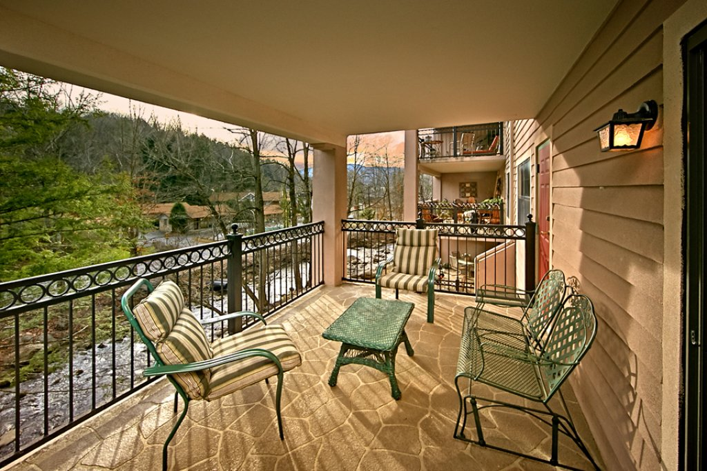 Photo of a Gatlinburg Condo named Riverfront Relaxation - This is the ninth photo in the set.