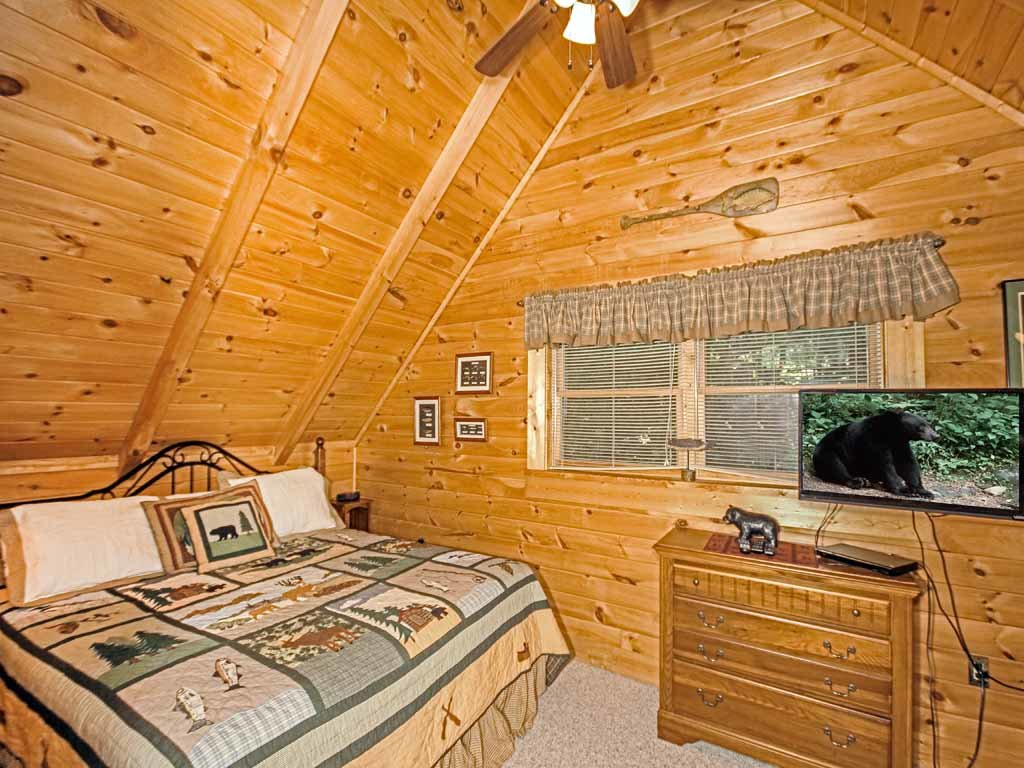 Photo of a Gatlinburg Cabin named Bear Country Cabin - This is the twelfth photo in the set.