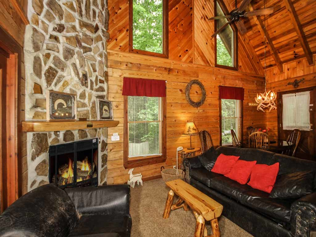 Photo of a Gatlinburg Cabin named Doe's Den - This is the sixth photo in the set.