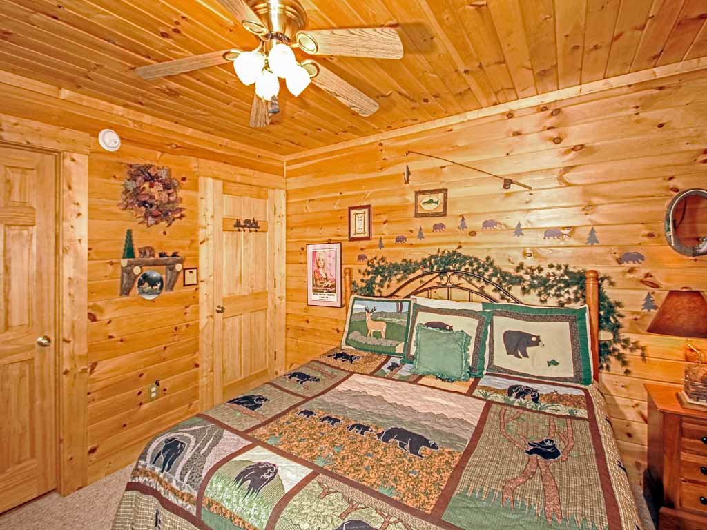 Photo of a Gatlinburg Cabin named Bear Country Cabin - This is the twenty-first photo in the set.