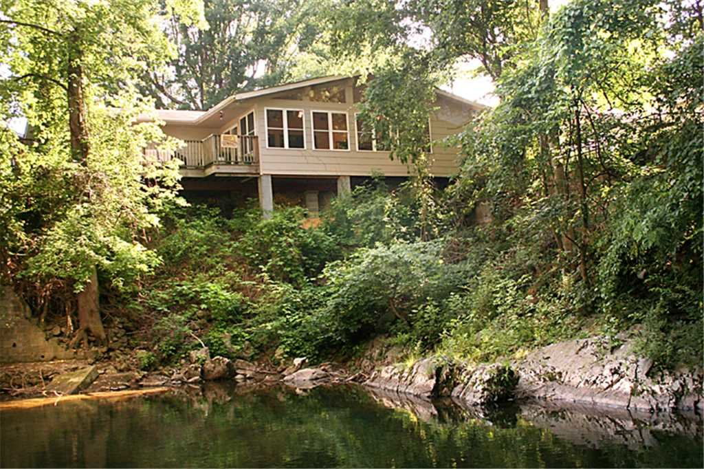 Photo of a Gatlinburg Cabin named River Cottage - This is the twentieth photo in the set.