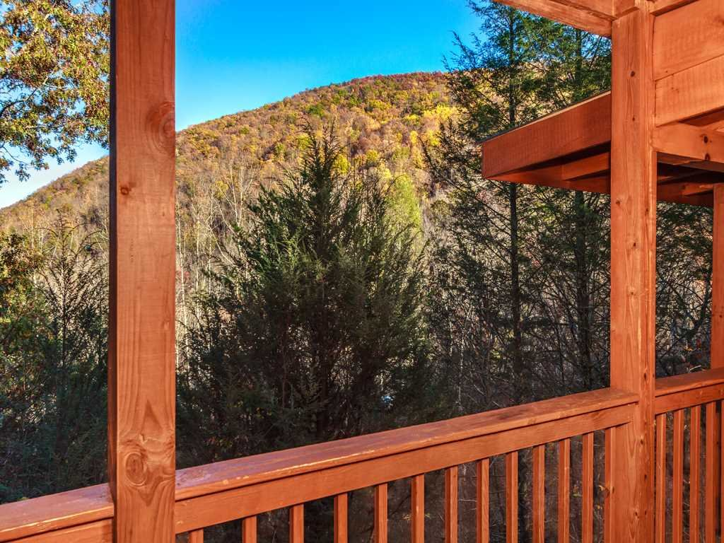 Photo of a Gatlinburg Cabin named Lazy Bear Lodge - This is the sixteenth photo in the set.
