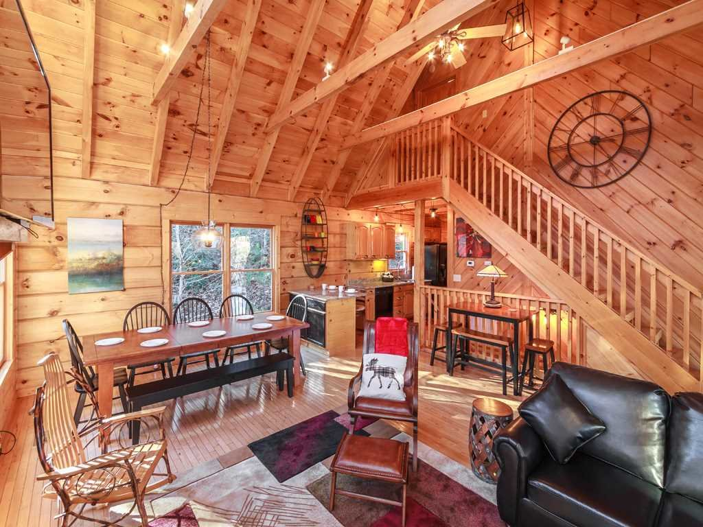 Photo of a Gatlinburg Cabin named Lazy Bear Lodge - This is the sixth photo in the set.