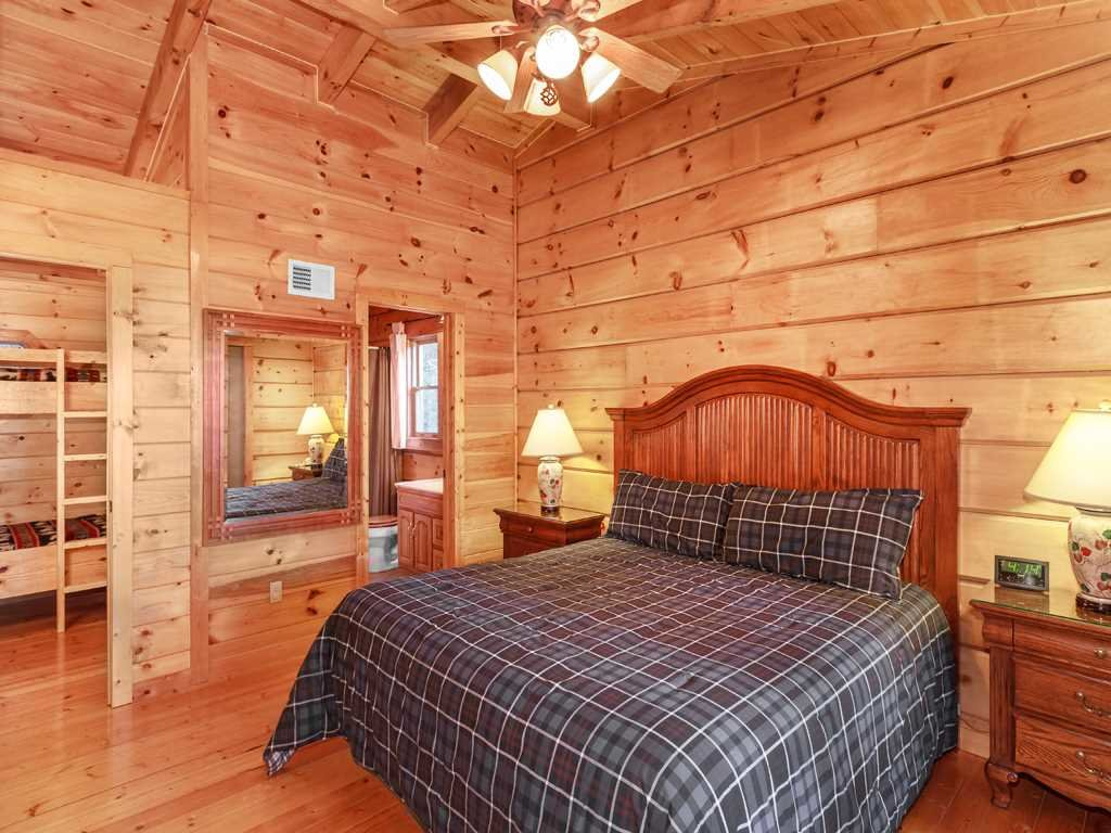 Photo of a Gatlinburg Cabin named Lazy Bear Lodge - This is the twelfth photo in the set.