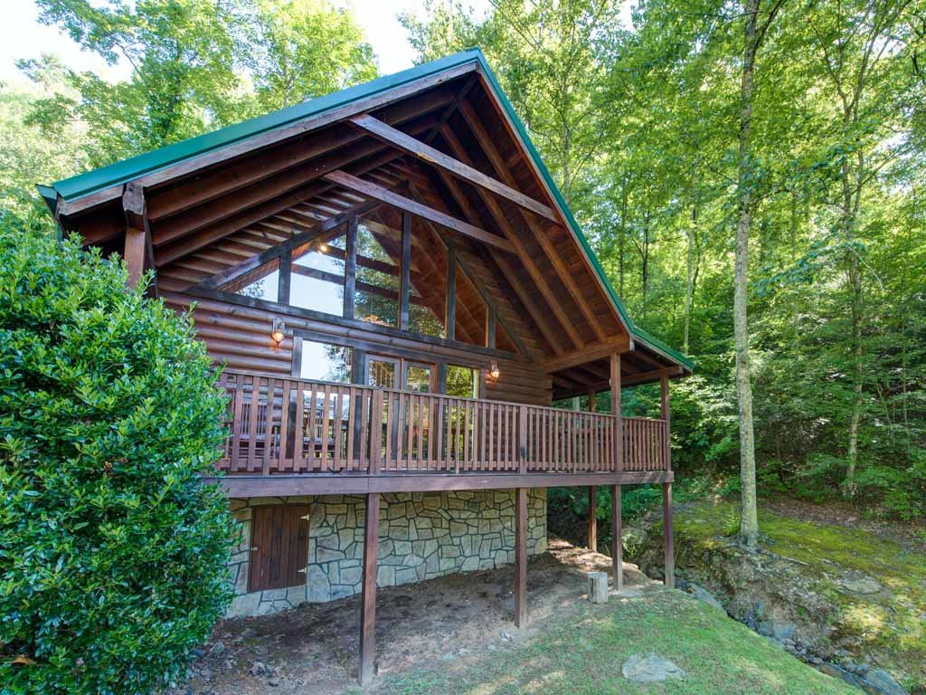 Photo of a Gatlinburg Cabin named On Smoky's Pond - This is the nineteenth photo in the set.