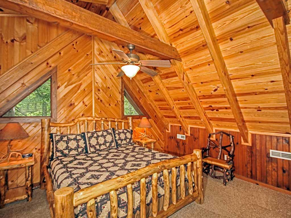 Photo of a Gatlinburg Cabin named Doe's Den - This is the sixteenth photo in the set.