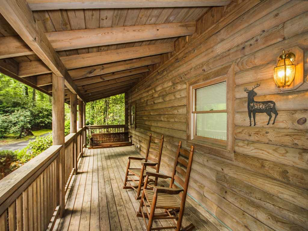 Photo of a Gatlinburg Cabin named Doe's Den - This is the third photo in the set.