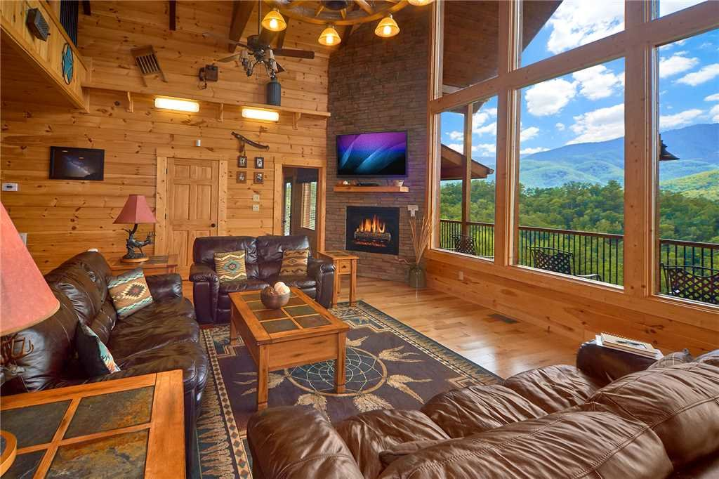 gatlinburg pin log vacation smoky tn away from pinterest mountains cabins chalets everyday in tennessee