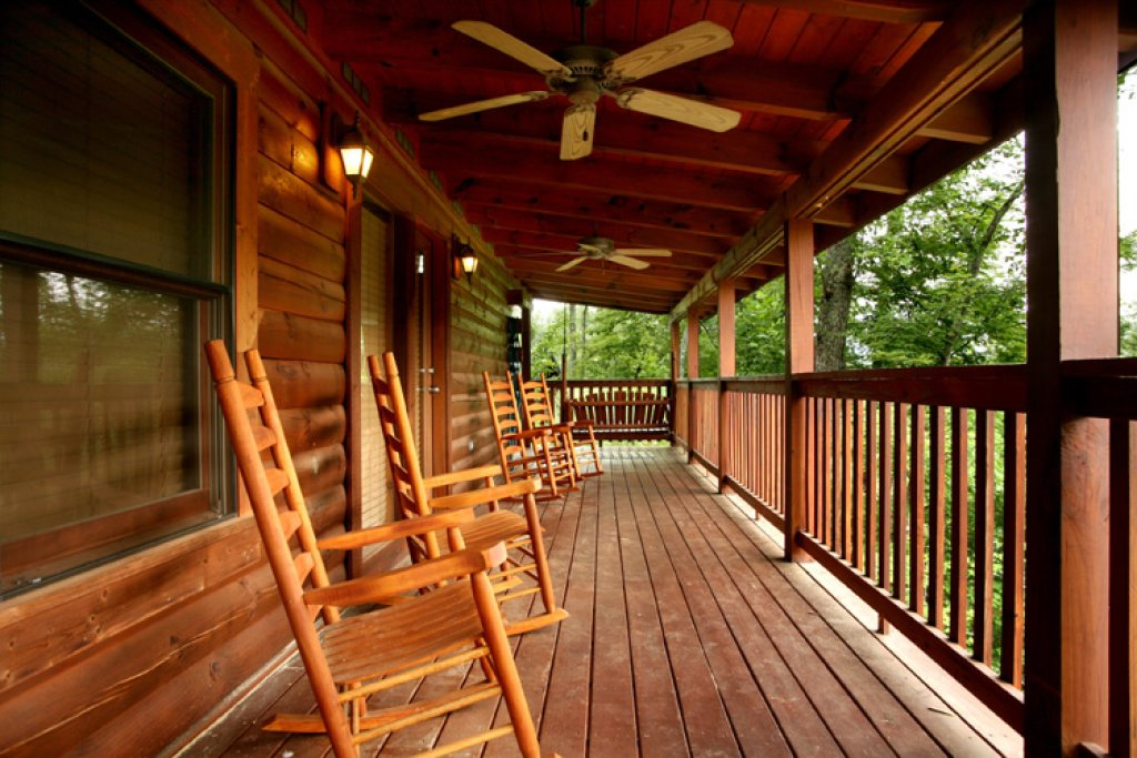 Photo of a Gatlinburg Cabin named Big Sky Cabin - This is the third photo in the set.
