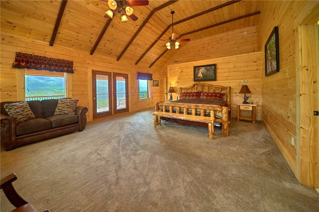 Photo of a Gatlinburg Cabin named Star Dancer - This is the eighteenth photo in the set.