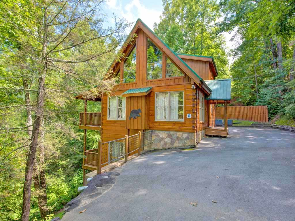 Photo of a Gatlinburg Cabin named Cozy Bear Lodge - This is the twenty-second photo in the set.
