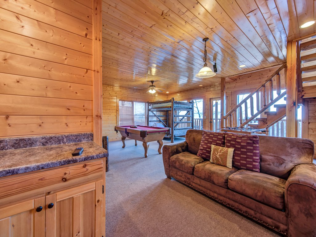 Photo of a Pigeon Forge Cabin named Rocky Top Retreat - This is the seventeenth photo in the set.