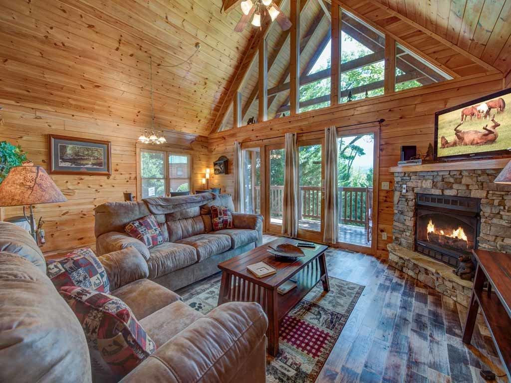 Whisper Mountain Cabin In Gatlinburg W 2 Br Sleeps6