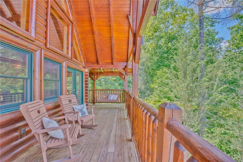 Photo of a Gatlinburg Cabin named Mountain Dreams Ii - This is the third photo in the set.