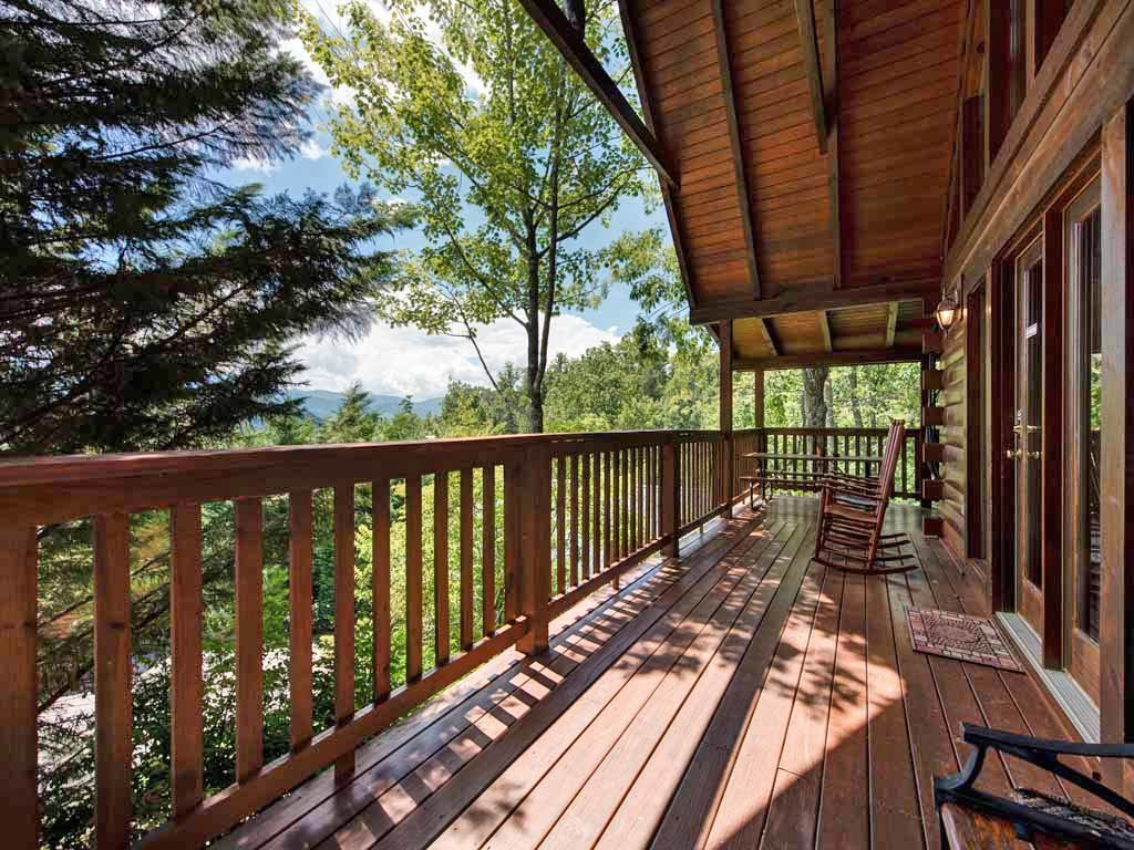 Photo of a Gatlinburg Cabin named Whisper Mountain - This is the third photo in the set.