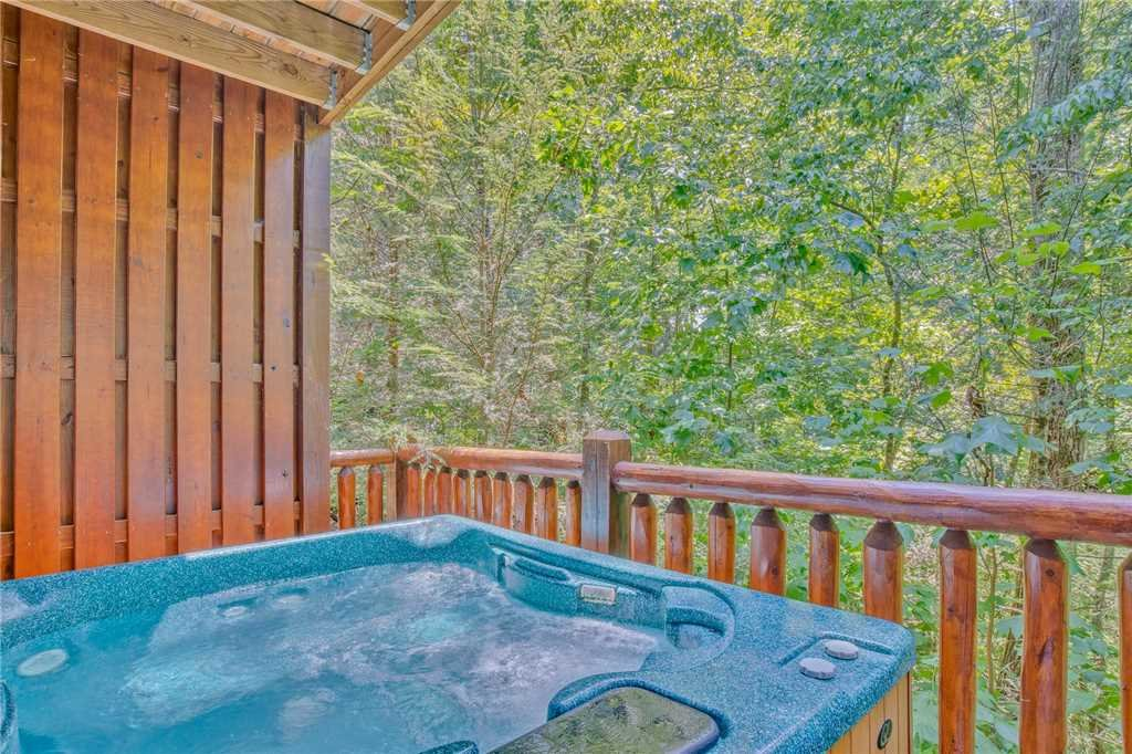 Photo of a Gatlinburg Cabin named Mountain Dreams Ii - This is the twenty-fourth photo in the set.