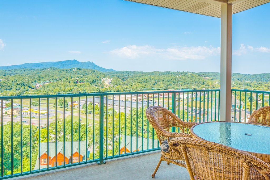Photo of a Pigeon Forge Condo named Crown Condo - This is the nineteenth photo in the set.