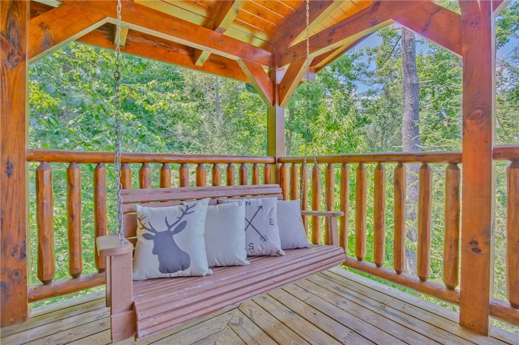Photo of a Gatlinburg Cabin named Mountain Dreams Ii - This is the twenty-second photo in the set.