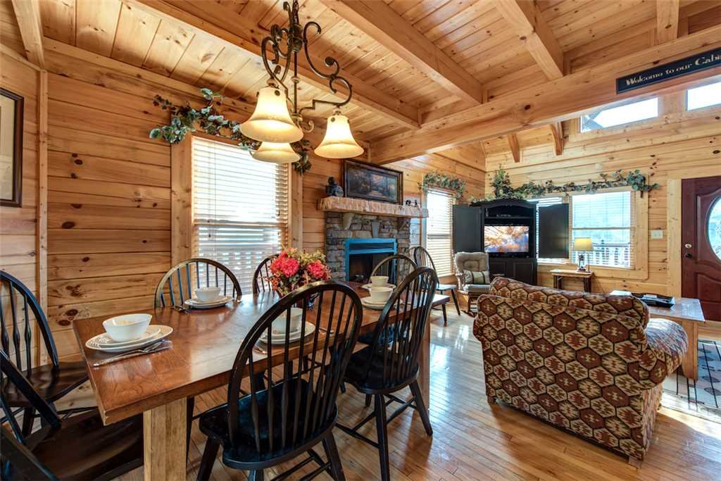 Photo of a Sevierville Cabin named Serenity Peak - This is the fourth photo in the set.