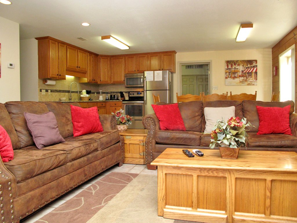 Photo of a Gatlinburg Cabin named Adventure Lodge - This is the first photo in the set.