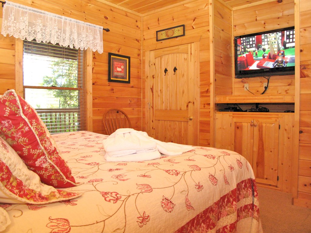Photo of a Gatlinburg Cabin named A Great Escape - This is the sixteenth photo in the set.