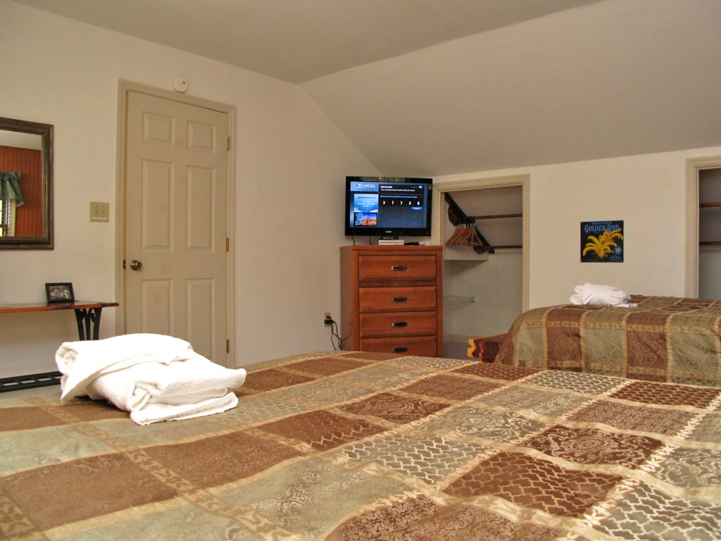 Photo of a Gatlinburg Cabin named Adventure Lodge - This is the twenty-second photo in the set.