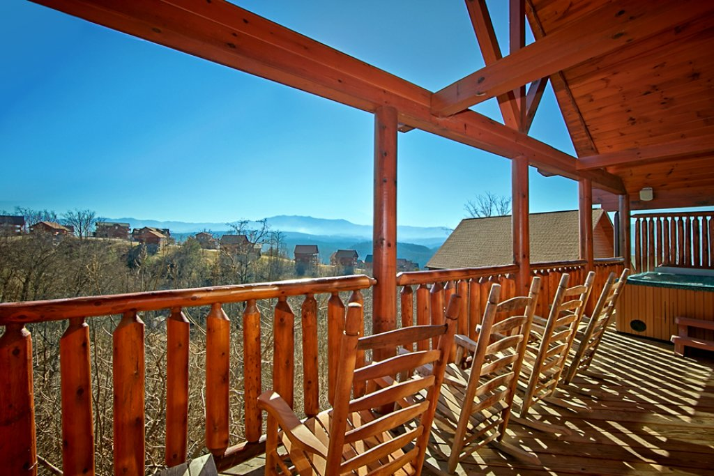 Photo of a Pigeon Forge Cabin named Starry Hope - This is the first photo in the set.