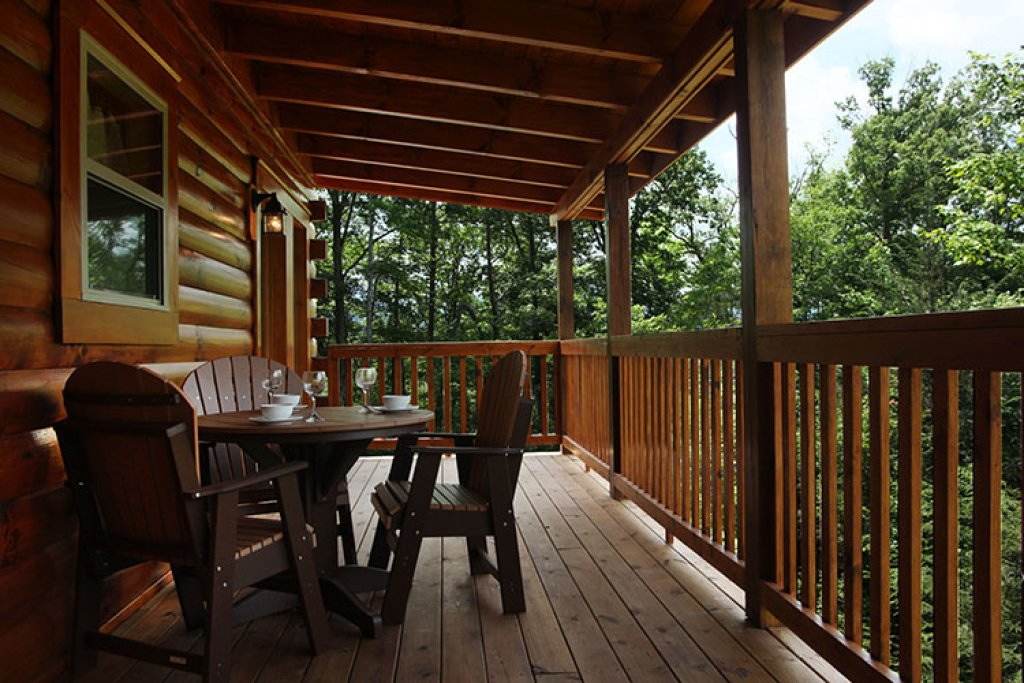 Photo of a Gatlinburg Cabin named Chasin A Dream - This is the eighteenth photo in the set.