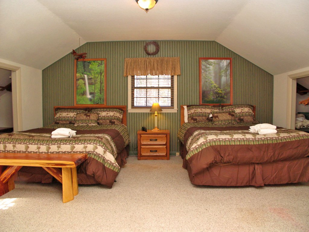 Photo of a Gatlinburg Cabin named Adventure Lodge - This is the twenty-third photo in the set.