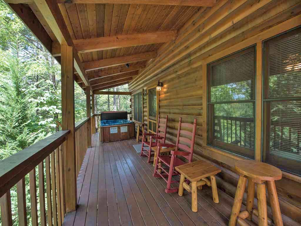 Photo of a Gatlinburg Cabin named Bear's Den - This is the eighteenth photo in the set.