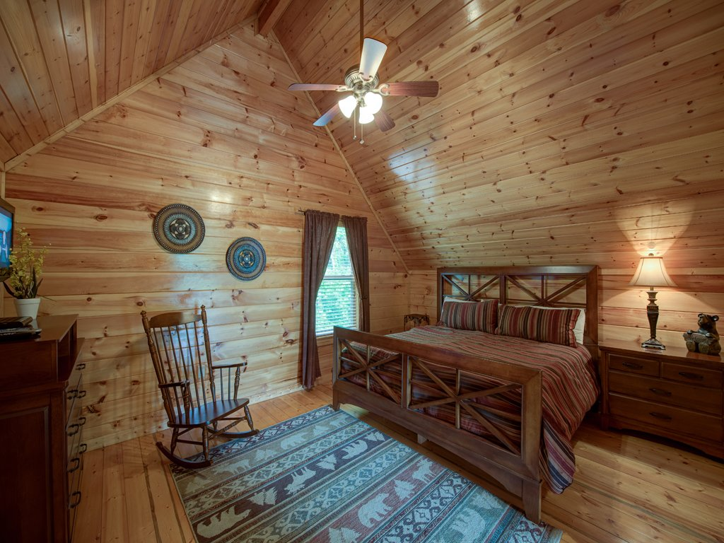 Photo of a Gatlinburg Cabin named Triple Mountain View - This is the thirteenth photo in the set.