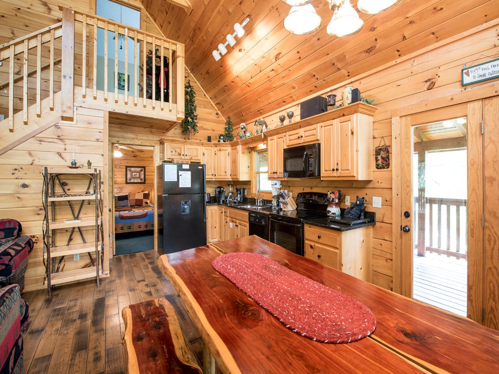 Photo of a Gatlinburg Cabin named Bear Essentials - This is the eighth photo in the set.