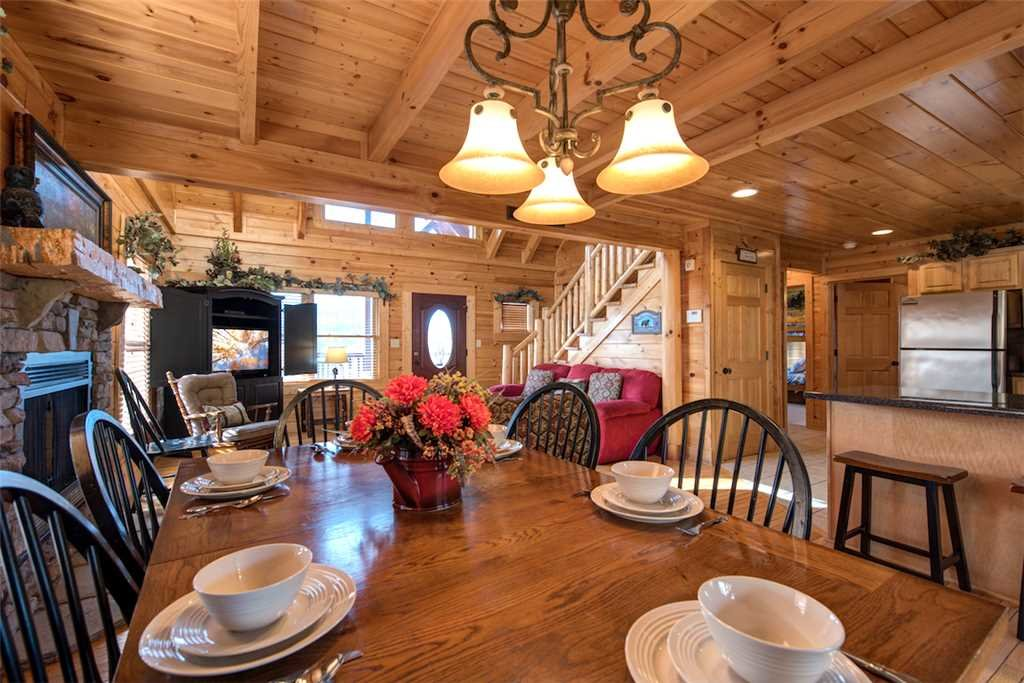 Photo of a Sevierville Cabin named Serenity Peak - This is the sixth photo in the set.