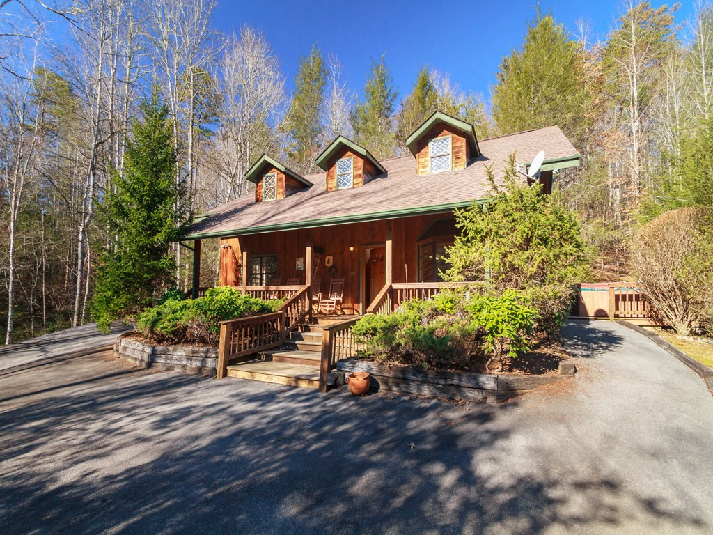 Photo of a Gatlinburg Cabin named Adventure Lodge - This is the third photo in the set.