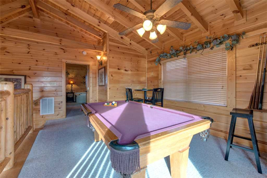 Photo of a Sevierville Cabin named Serenity Peak - This is the tenth photo in the set.