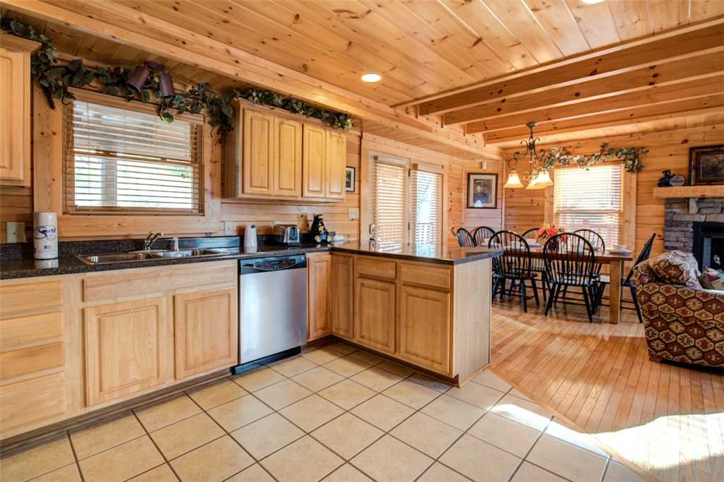 Photo of a Pigeon Forge Cabin named Serenity Peak - This is the eighth photo in the set.